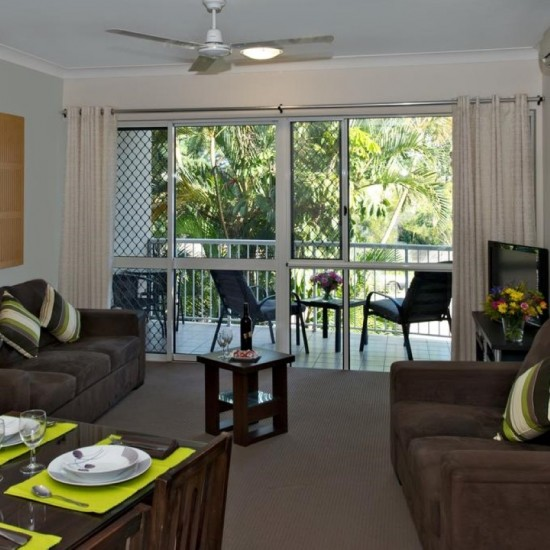 Park Regis Anchorage - Hotel Rooms and Apartments located in the center of entertainment and dining in Townsville featuring 2 outdoor pools, a restaurant and BBQ facilities- perfect base for Great Barrier Reef visit.